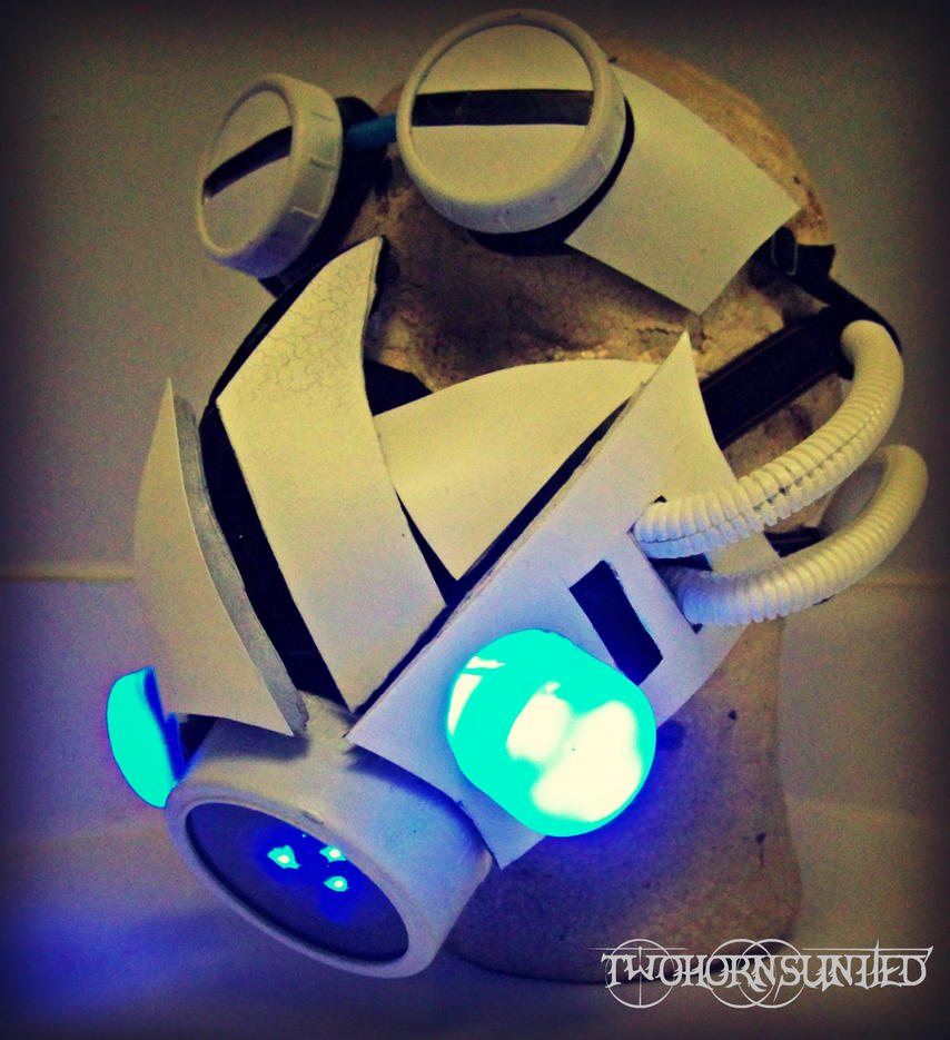 Glacial Warfare Cyber mask and goggles by TwoHornsUnited