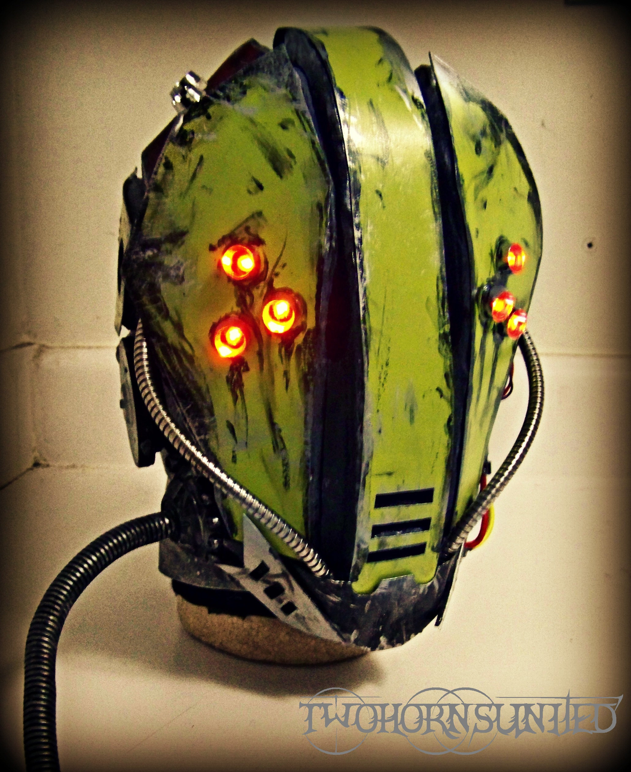 The ''Glitch'' Cyberpunk helmet by TwoHornsUnited