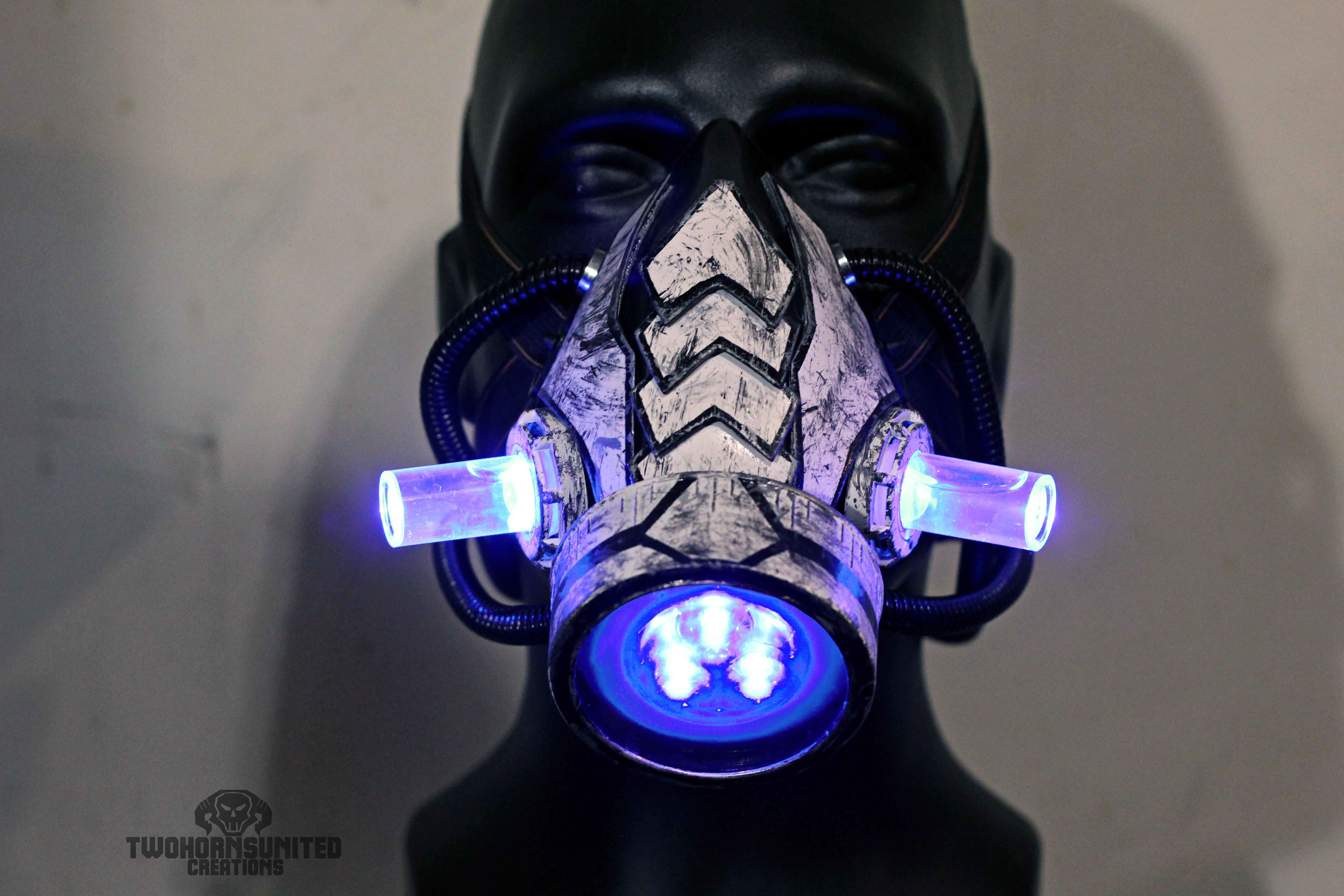 The Arachnica Cyber light up respirator by TwoHornsUnited