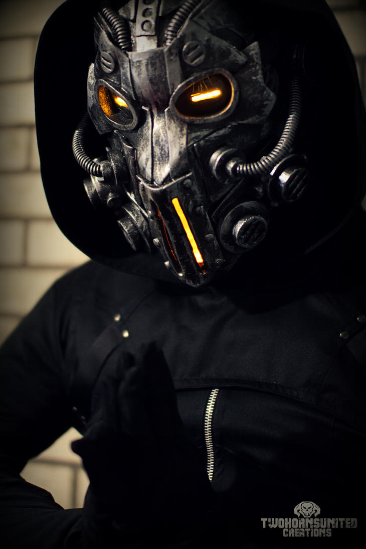 The Apparitionist light up wasteland mask by TwoHornsUnited