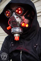 Vermilitron - Cyberpunk Dystopian light up mask by TwoHornsUnited