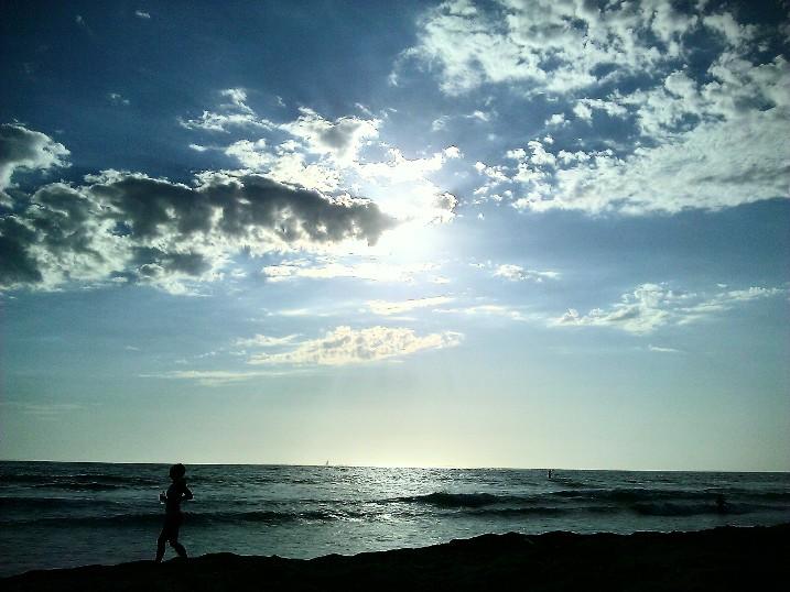 Ocean Jog by masamune3rd