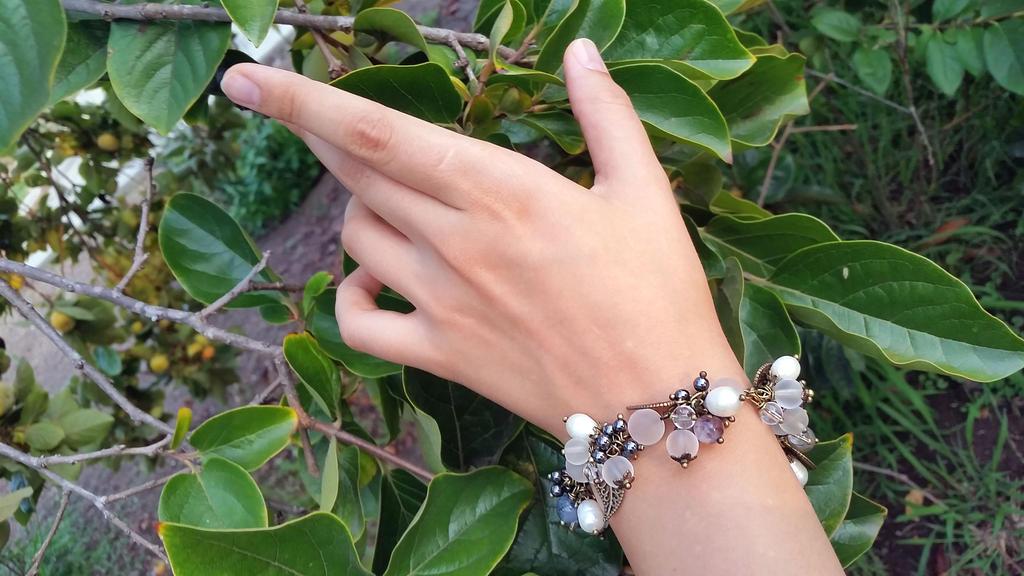 Sea pearls Hematite Jasper Quartz Bracelet by Joshou