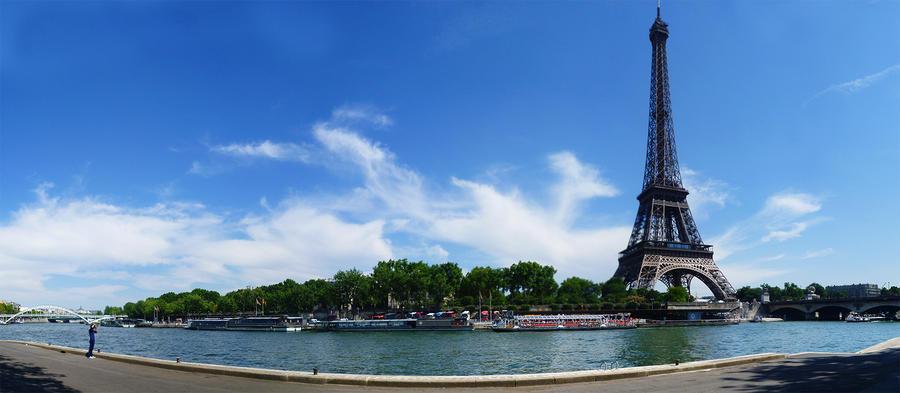 Eiffel Tower by SkyCrawlers
