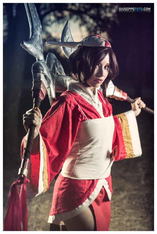 Blood Moon Akali: Through Twilight's veil. by DidsRainfall