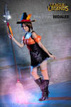 Bewitching Nidalee (LoL): I'll guide you
