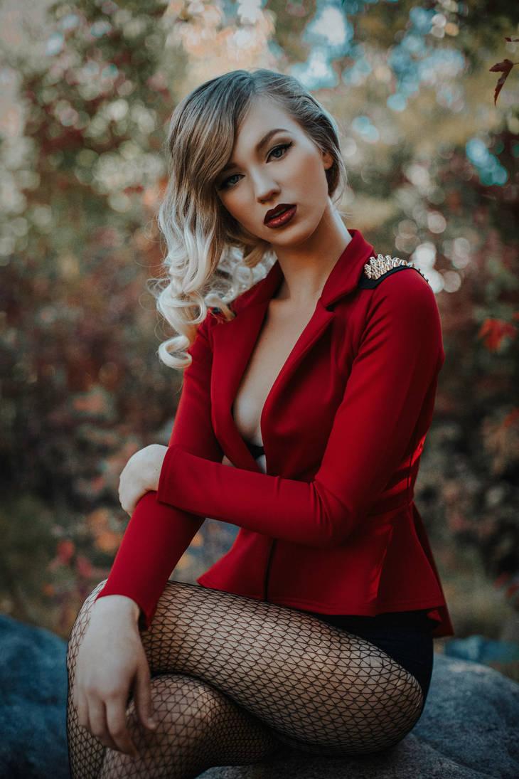 Martina by Lisa-MariePhotog