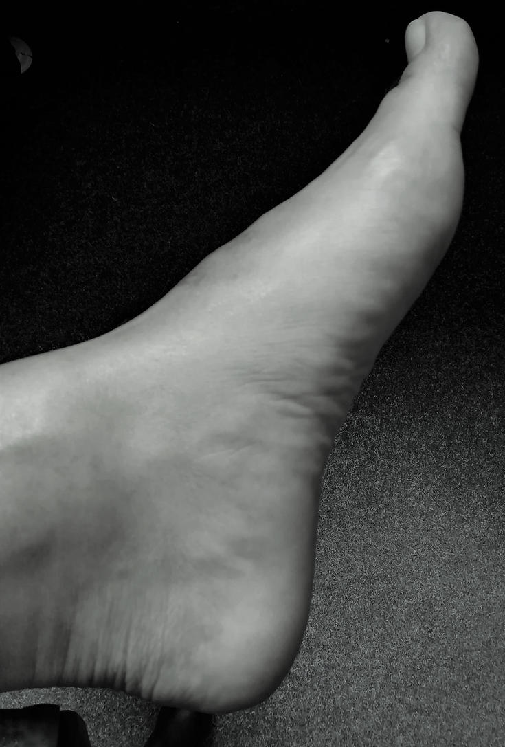 sightly view left foot bw by Netsrot1971