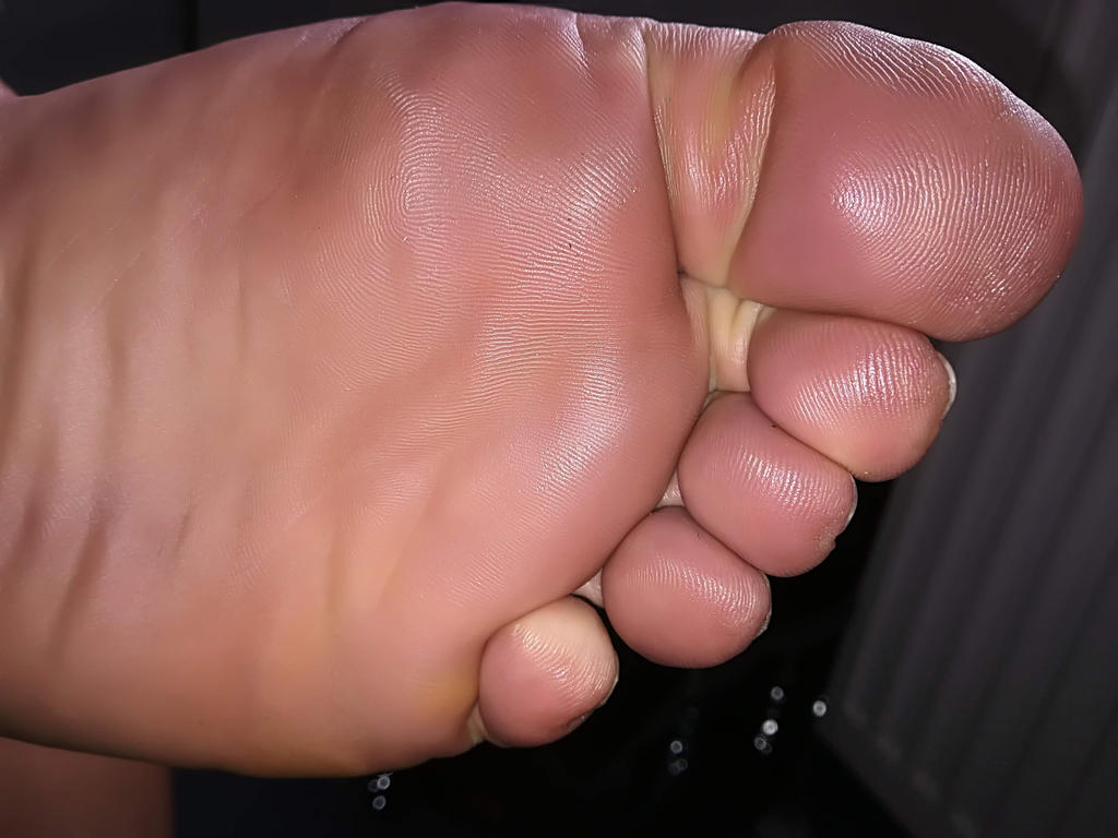 only big toes 2 by Netsrot1971