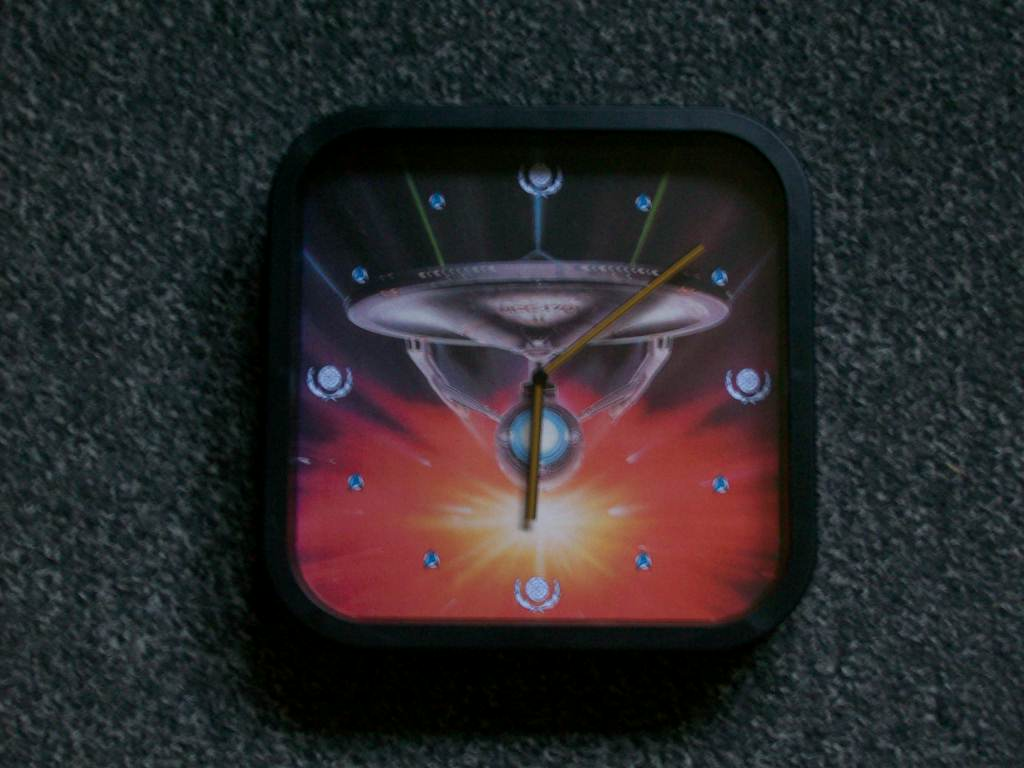 Radio-controlled Star Trek wallclock by CmdrKerner