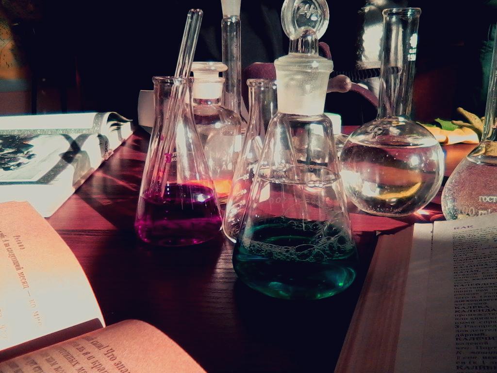 bottles by reita-tooru