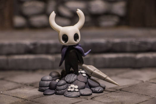 Hollow Knight figure