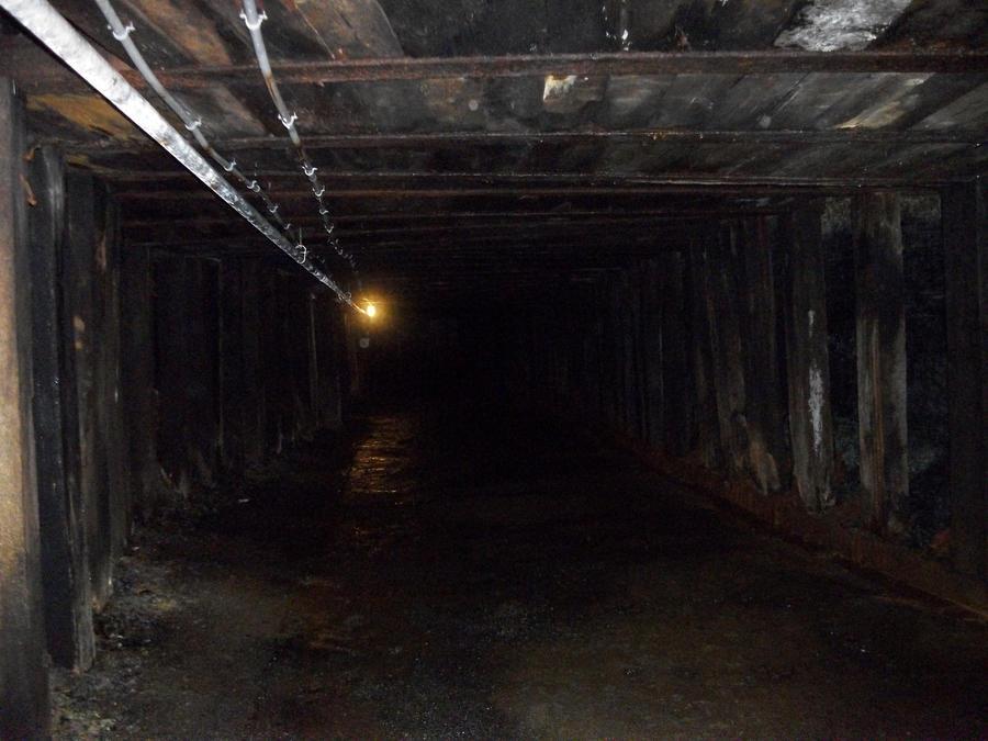 mine shaft wallpaper - photo #2