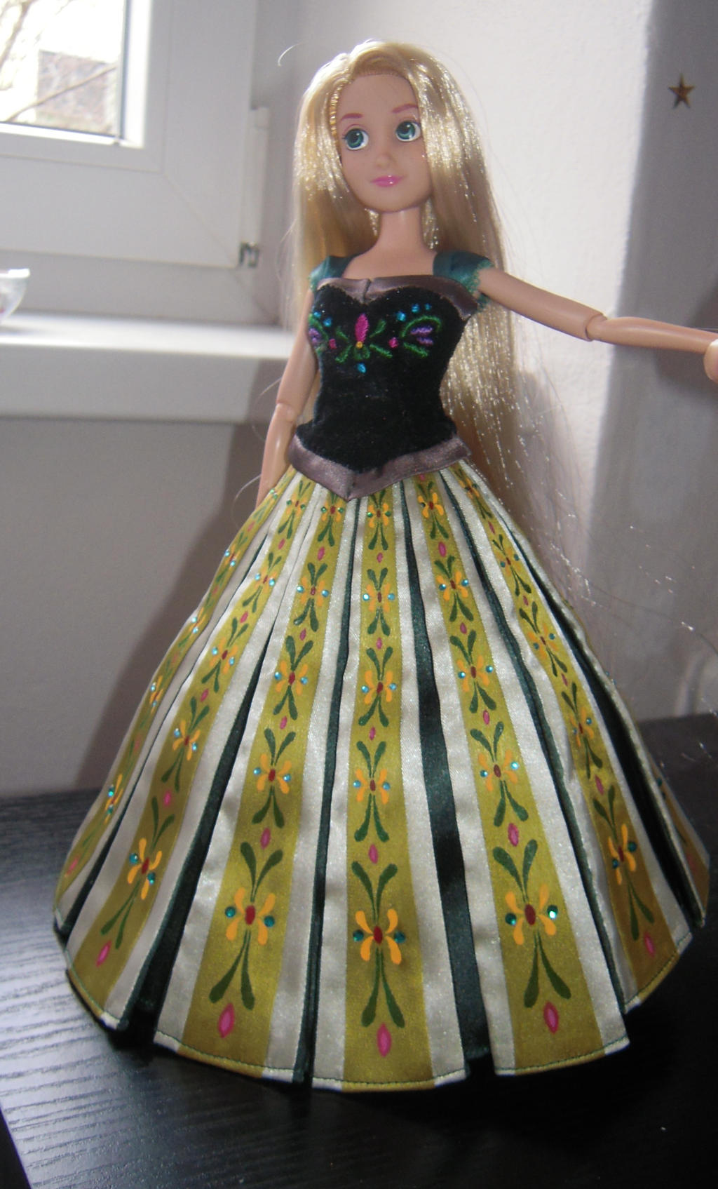 Frozen Anna's coronation dress on Rapunzel by andies098 on ...
