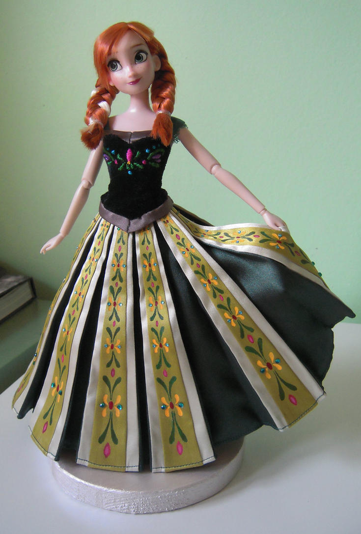 Anna's coronation dress - Frozen by andies098 on DeviantArt