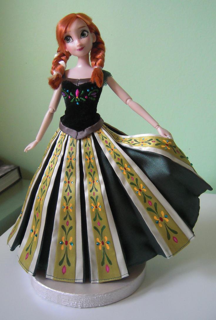 Anna's coronation dress - Frozen by andies098 on DeviantArt