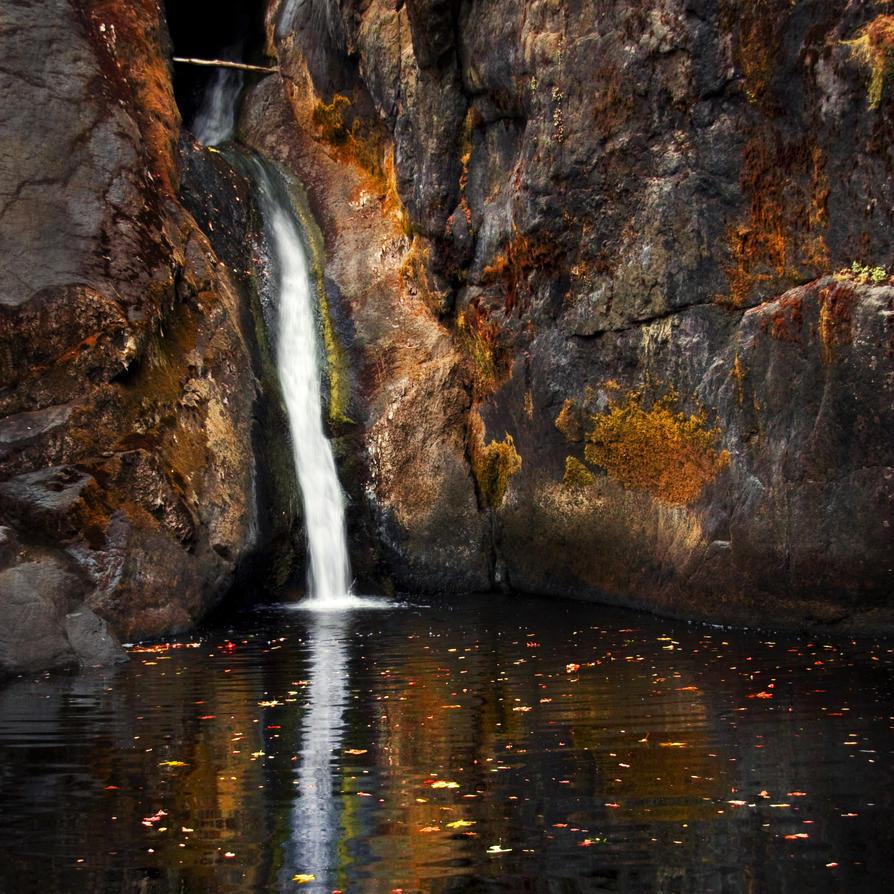 Autumn Falls Square by planetshu
