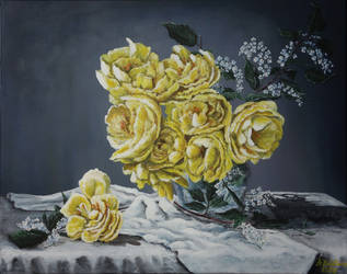 Spring fragrance. Yellow roses