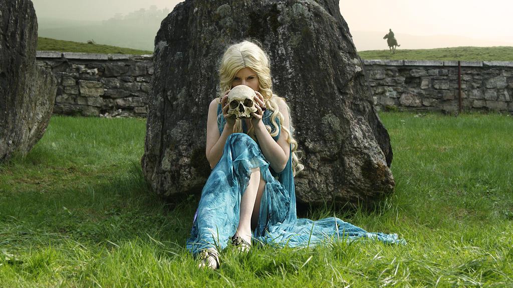 Daenerys Targaryen Cosplay GOT by DungeonQueen