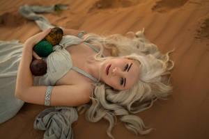 Daenerys Targaryen photoshoot