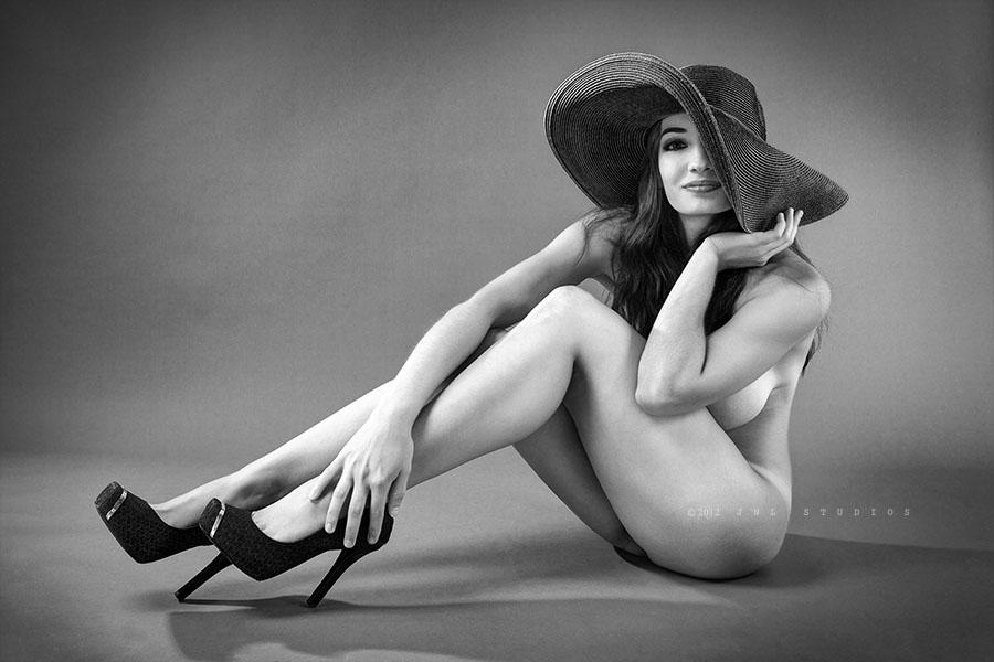 Christina Jolie Breza IMG 3180ps BW TM x900 W by Wizardinc