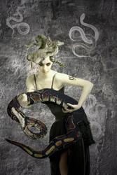 Medusa by ArtisnotanAccident