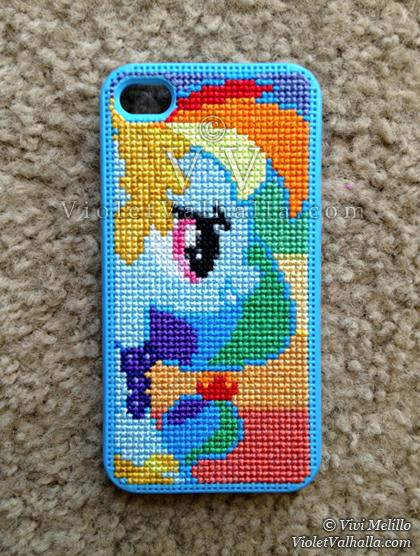 Rainbow Dash Blue - iPhone 4s by VioletValhalla