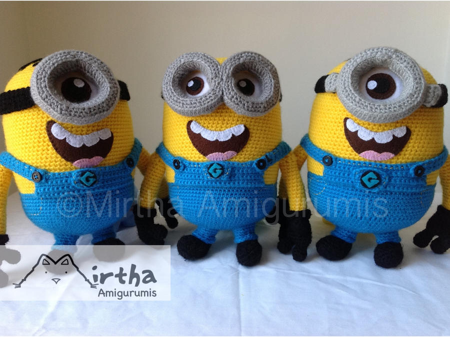 Minion army despicable me by Mirtha Amigurumis by MirthaAmigurumis