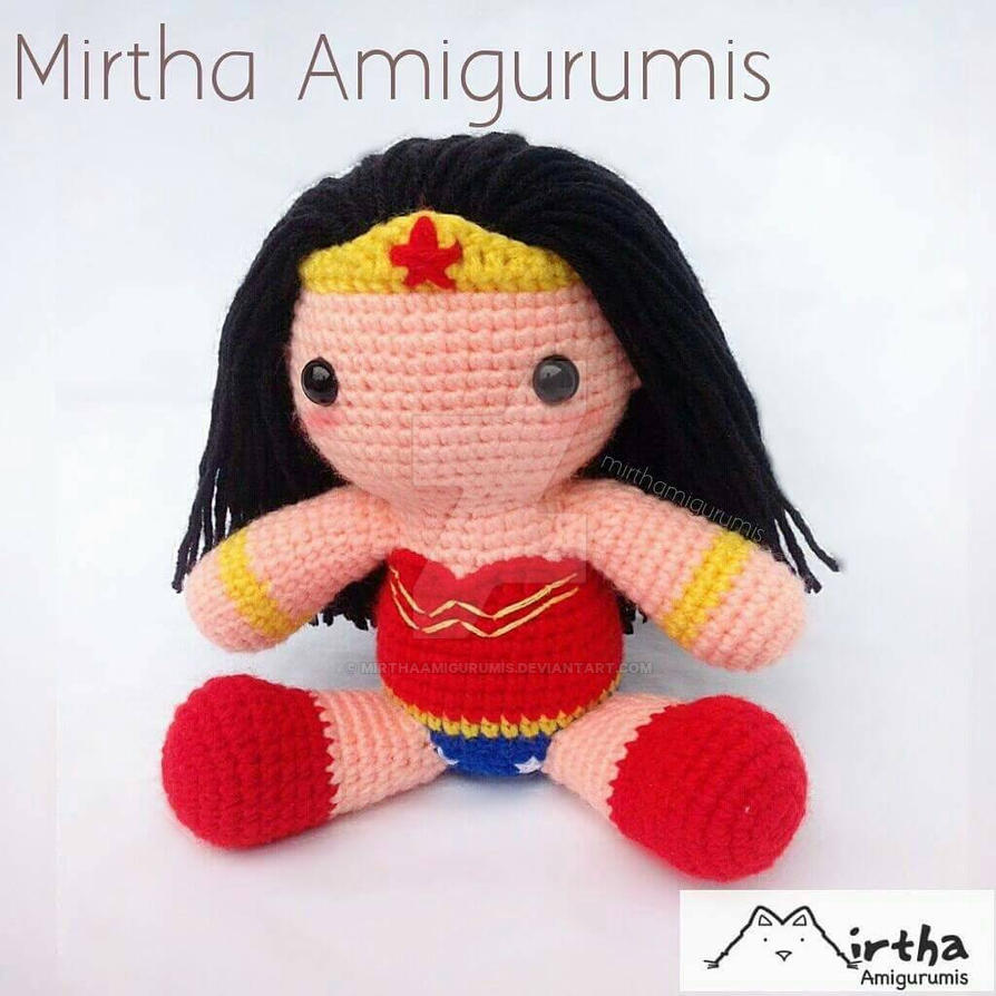Wonder Woman Amigurumi by MirthaAmigurumis