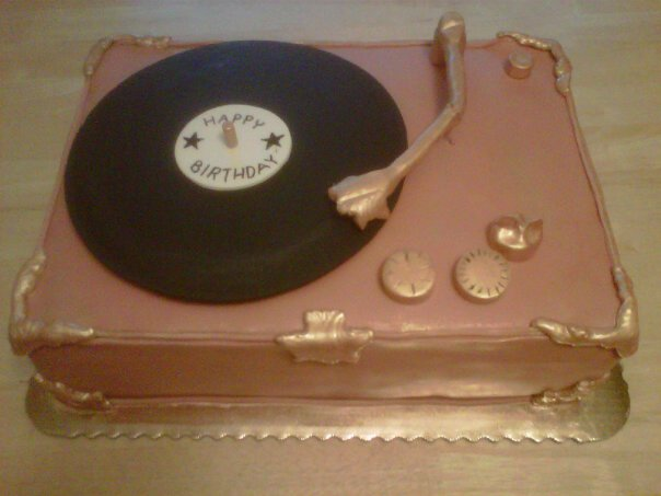 Record Player Cake by Cupcake-Killer on DeviantArt