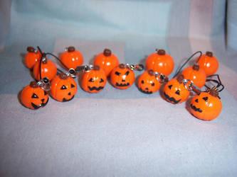 Pumpkins and Jacks by soupisgreen