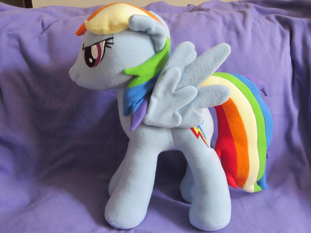 Large Rainbow Dash by Echan33
