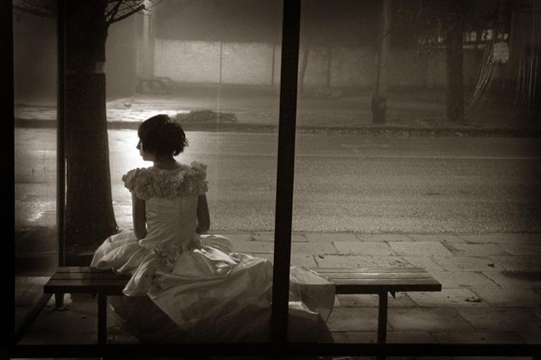 http://fc05.deviantart.net/fs12/f/2006/337/0/5/In_dress_by_Damned_Tear.jpg