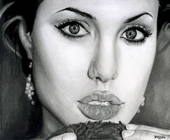 Angelina jolie by Dodos24