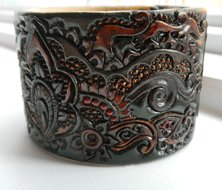 Eastern Dancer Leather Cuff by AFlem