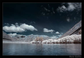 IR Valley by RoieG