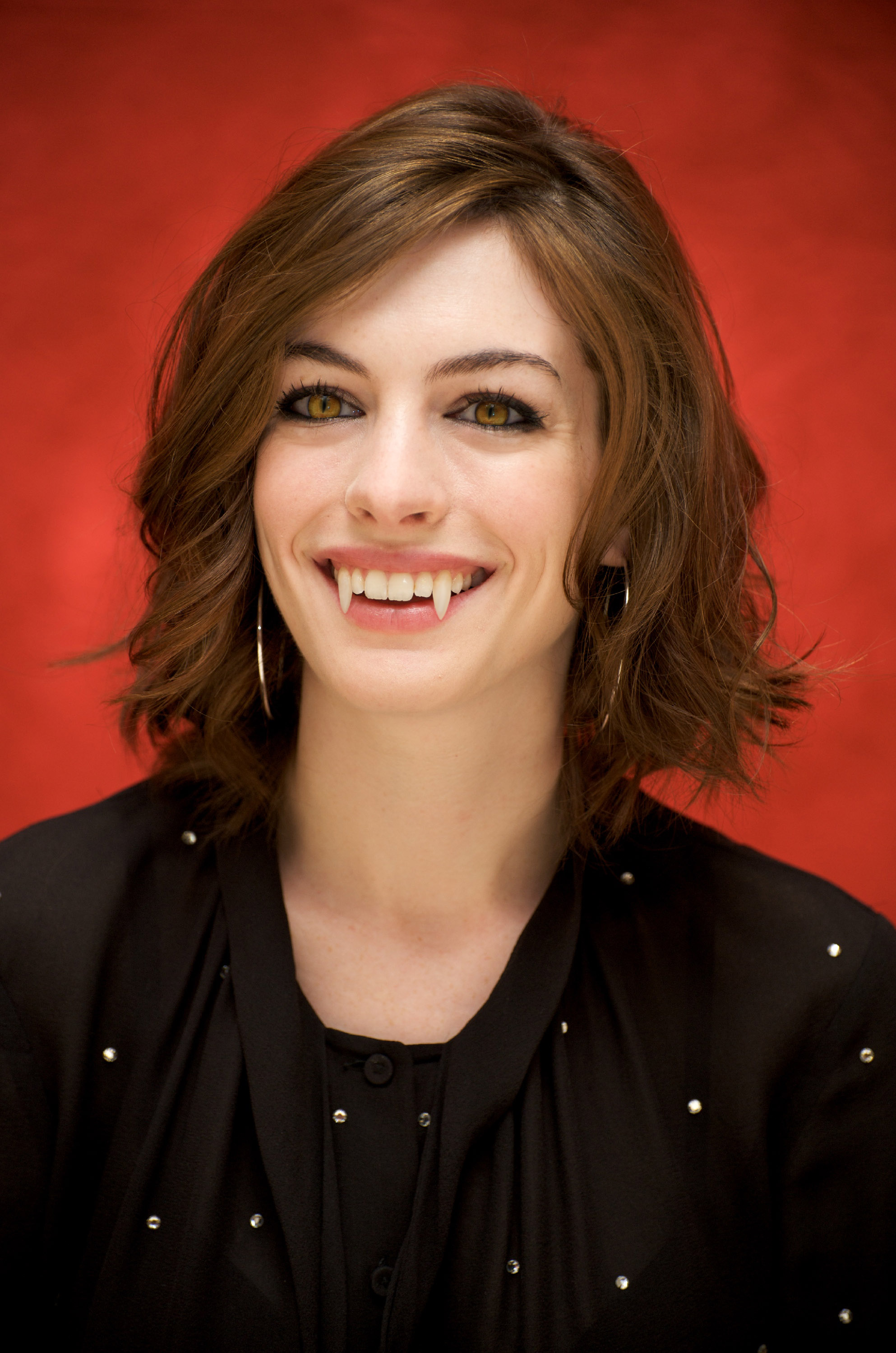 vampire anne hathaway by turlyvamp on  vampire anne hathaway by turlyvamp vampire anne hathaway by turlyvamp