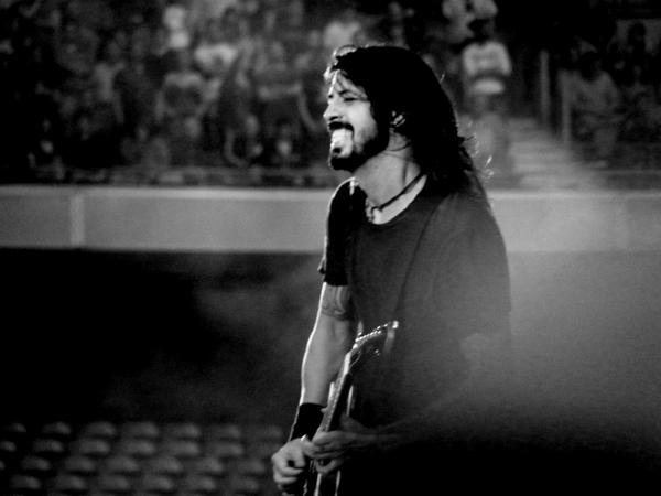 Dave Grohl Live Wallpaper