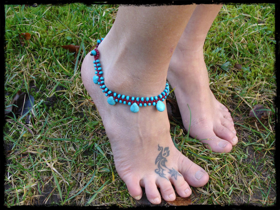 vive le barefooting - Page 2 Sky_blue_hippie_macrame_anklet_by_noisypixie-d5qaxcv