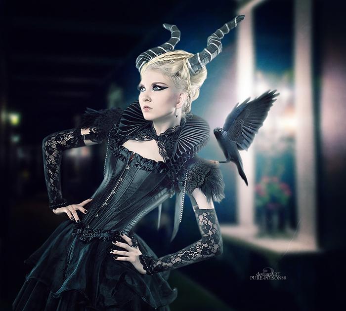.: Queen Of Darkness :.