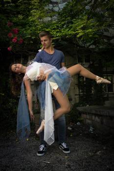 Dancing around a summer castle 9