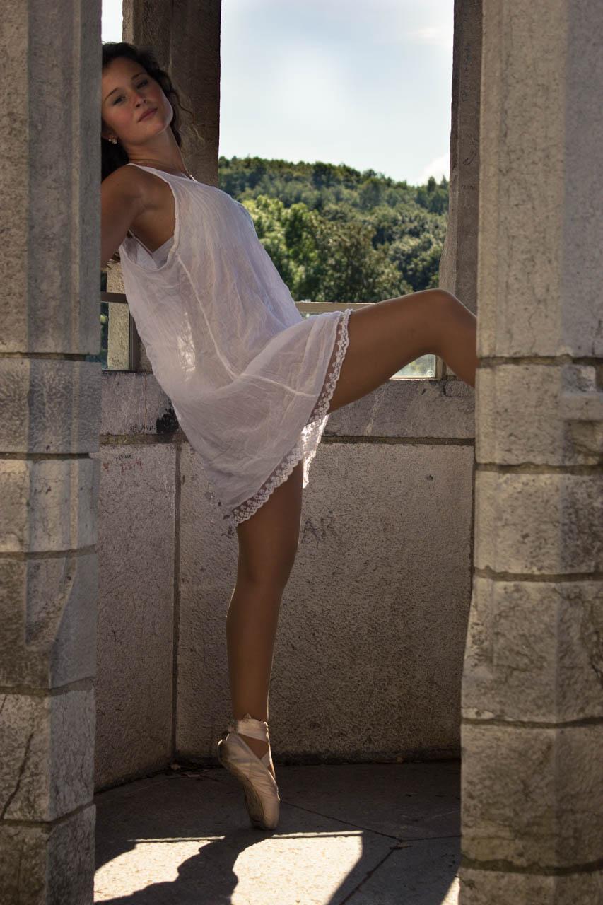 Dancing around a summer castle 19