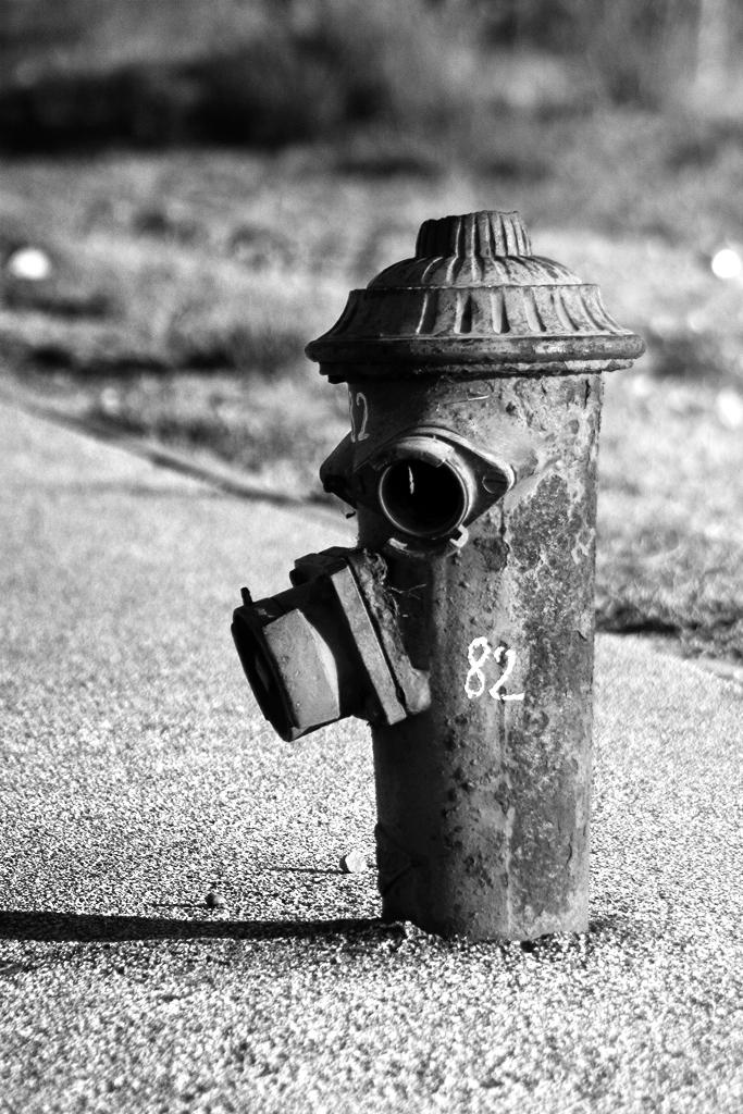 Pompier en noir et blanc by ali13 on deviantart for Lampe noir et blanc