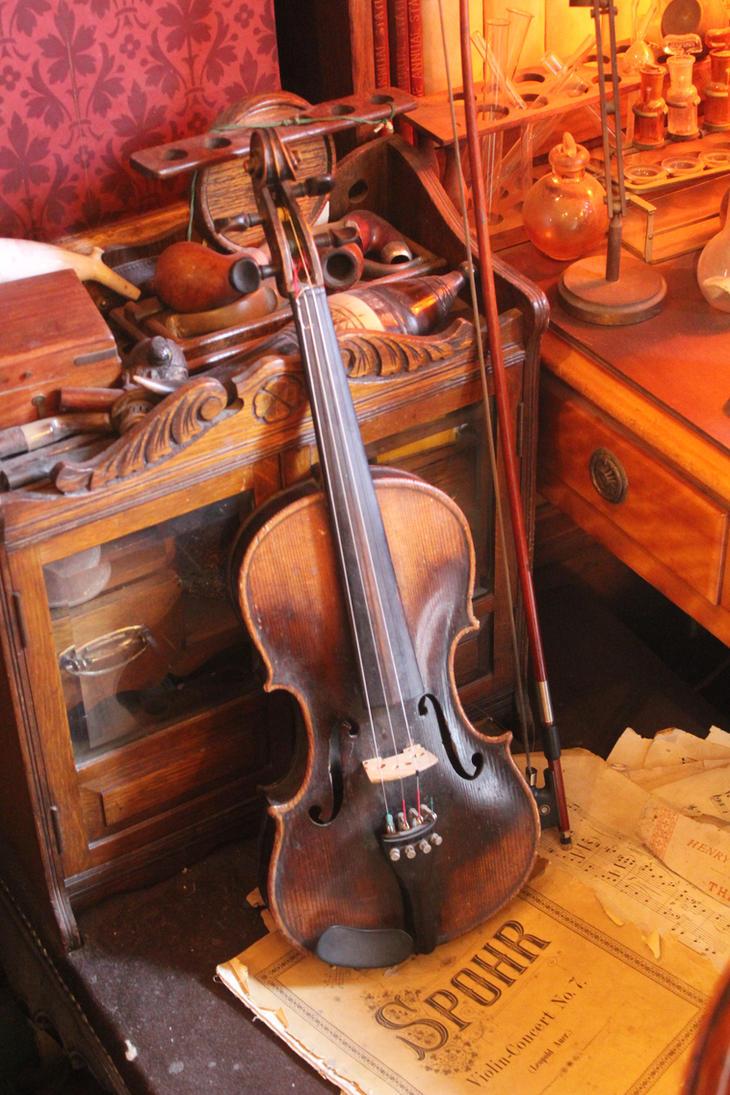 Sherlock's violin by Elgarajederojo
