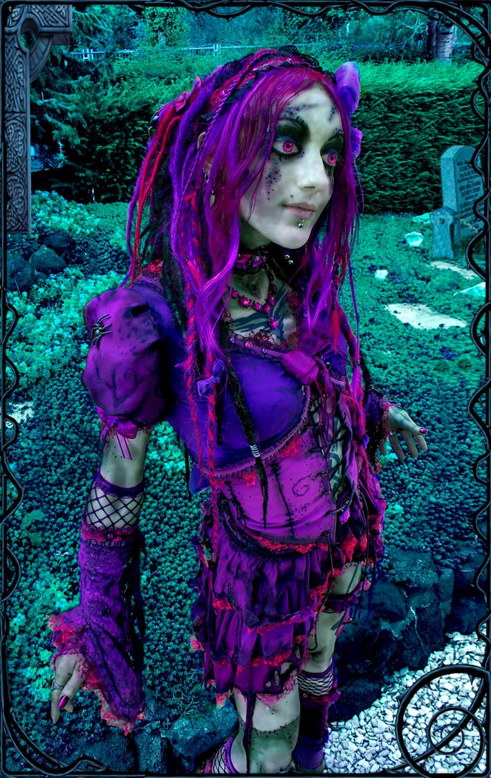 Violet Euphoria by IztaJupiter