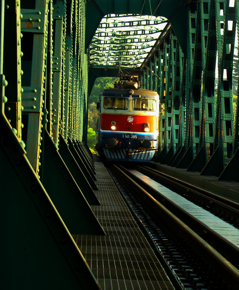 TRAIN by siscanin