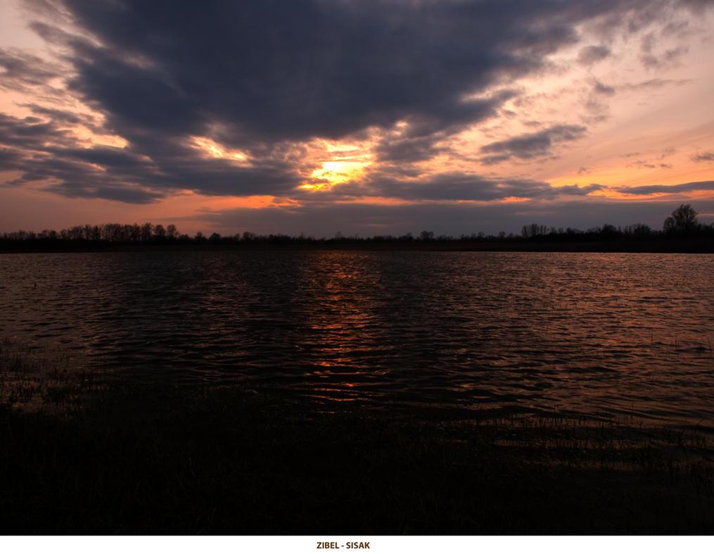 Sunset the Zibel by siscanin