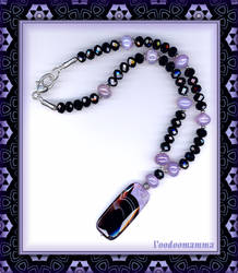 MAUVE BRAZILIAN AGATE AND BLACK CRYSTAL NECKLACE