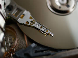 Inside the Microdrive by towel401