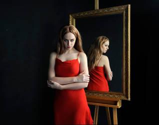 Mirror Mirror by kubrickz